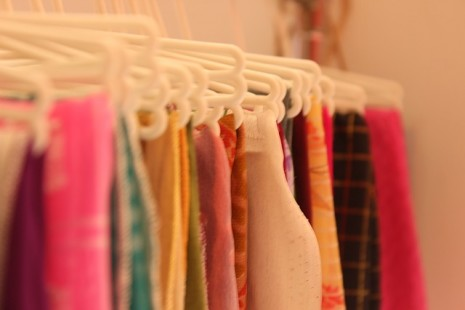 df7fb1bbd تفسير حلم رؤية الملابس والثياب القديمة والجديدة في المنام
