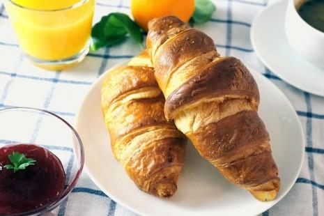 طريقة عمل وتحضير الكرواسون الفرنسي Croissants