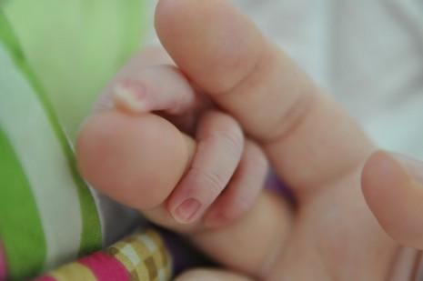 مراحل نمو وتكون الجنين واعرض الحامل في الشهر التاسع للحمل
