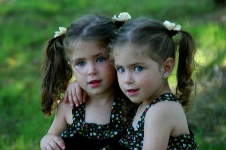 علامات ودلائل الحمل بتوأم في بداية الحملPregnancy with twins