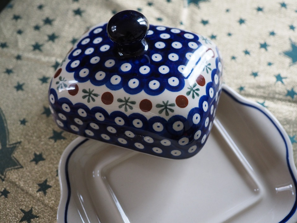 تفسير حلم رؤية الطبق أو الصحن أو الصحون في المنام لابن سيرين