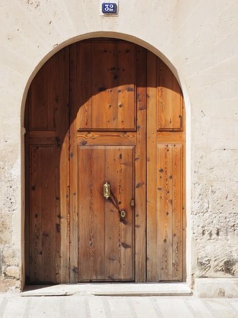 تفسير حلم رؤية البوابة والباب المفتوح والمغلق في المنام