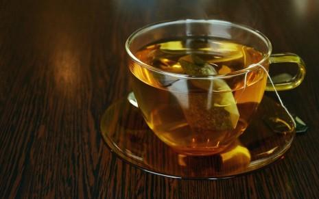 رؤية شرب الشاي الاحمر و الاخضر في المنام