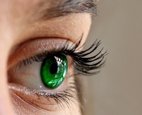 تفسير حلم رؤية اهداب العين أو الرموش في المنام لابن سيرين