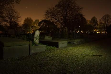 رؤية فتح القبر أو نبش القبور في المنام