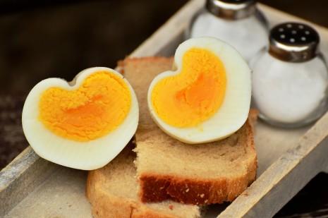رؤية البيض المسلوق في المنام